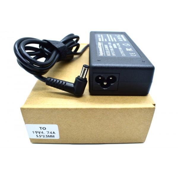 Kućni punjač za prijenosno računalo 5.5*2.5 (ZA TOSHIBU 19V/4.74A/90W)